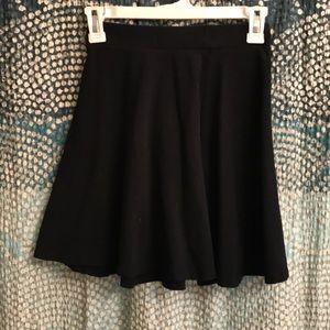 NEVER WORN. Soft, cotton mini skirt